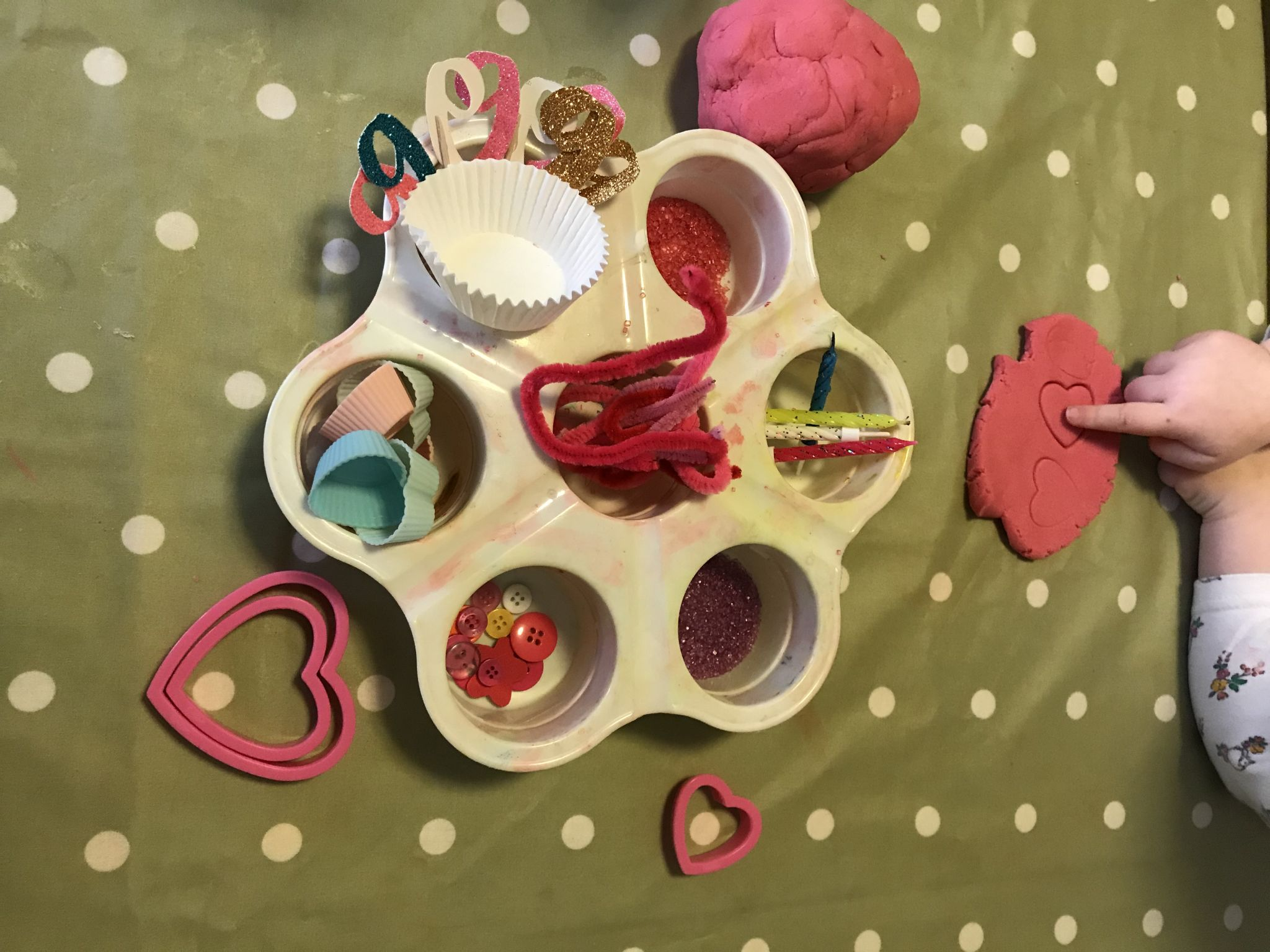 Valentine's Day ideas for kids play dough and hearts