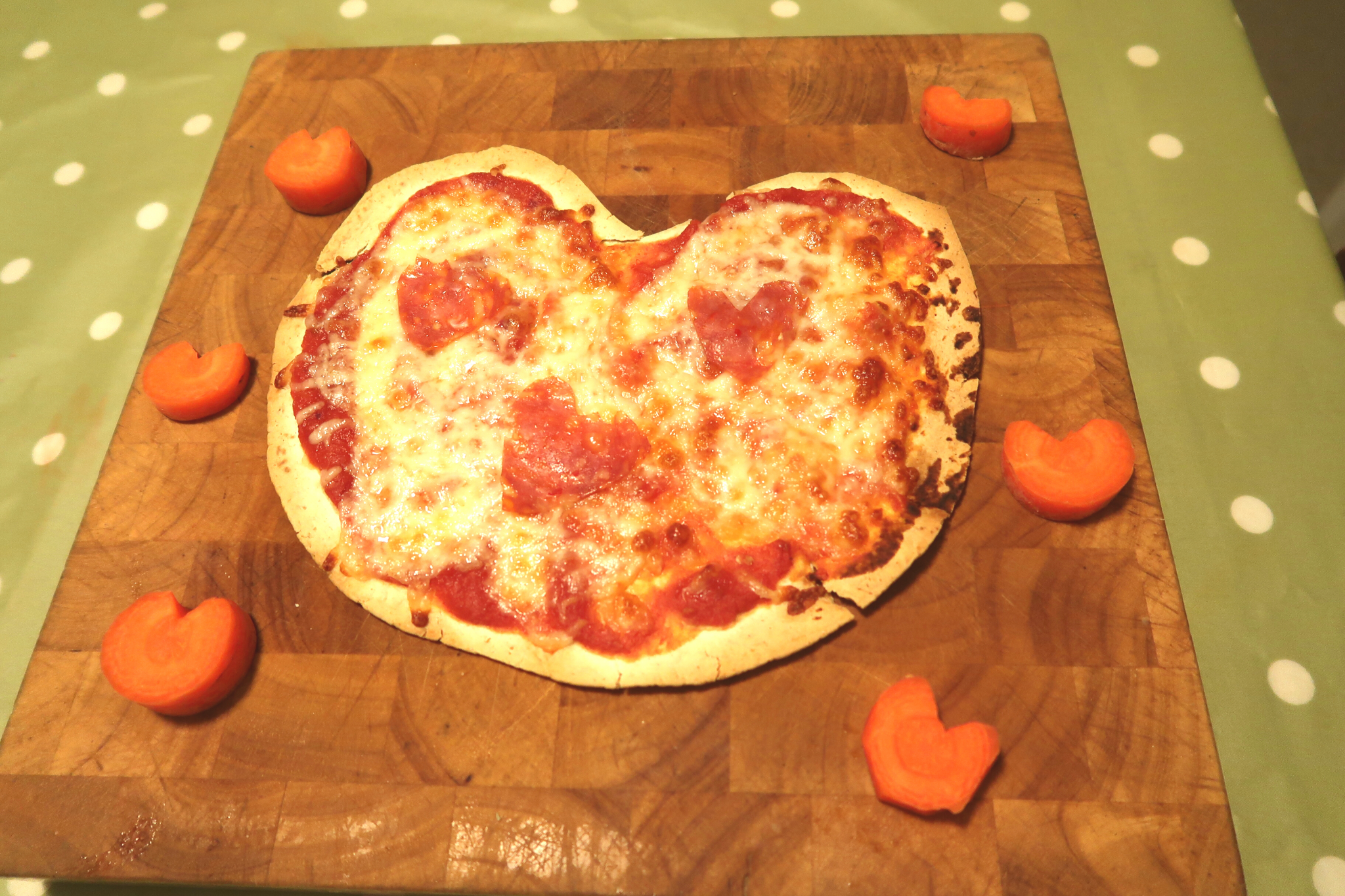 Heart shaped pizza for kids Valentine's ideas