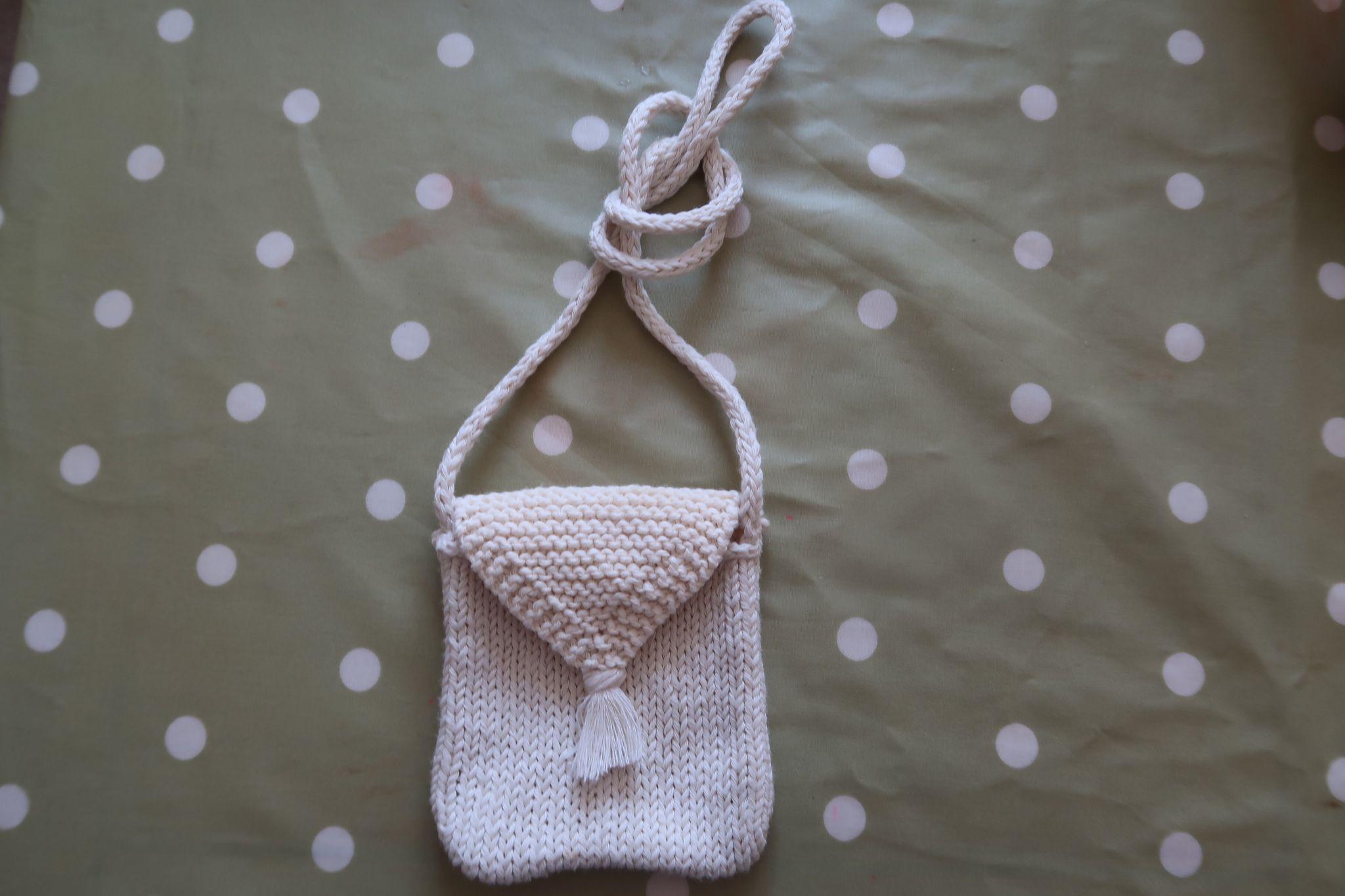 A child's woollen bag