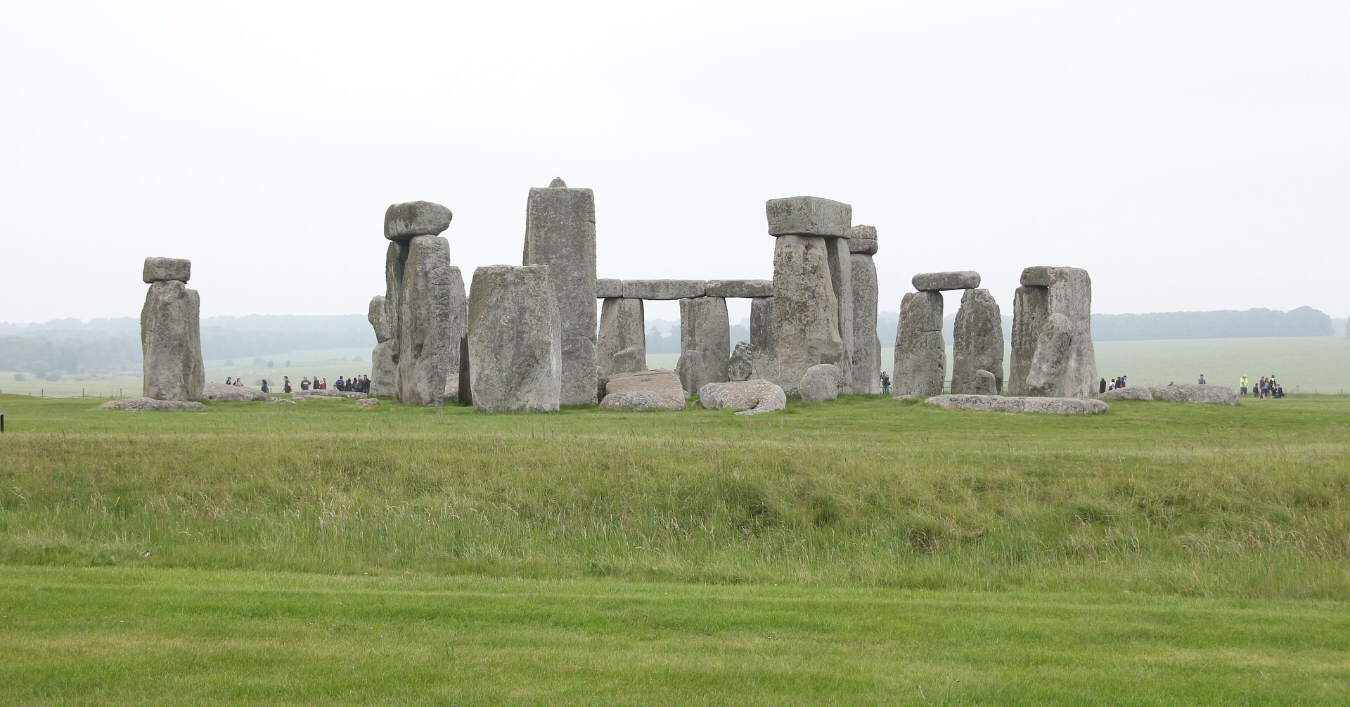 a picture of Stonehenge in the distance