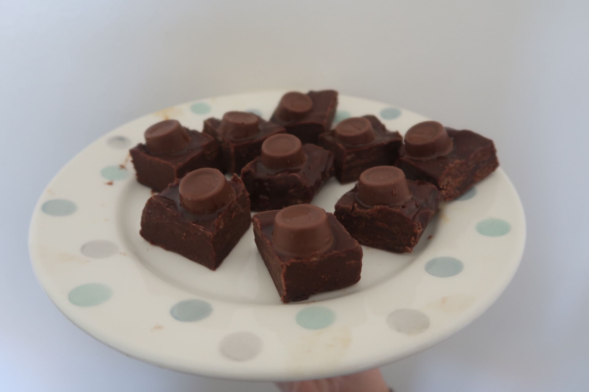 a plate with solo fudge on