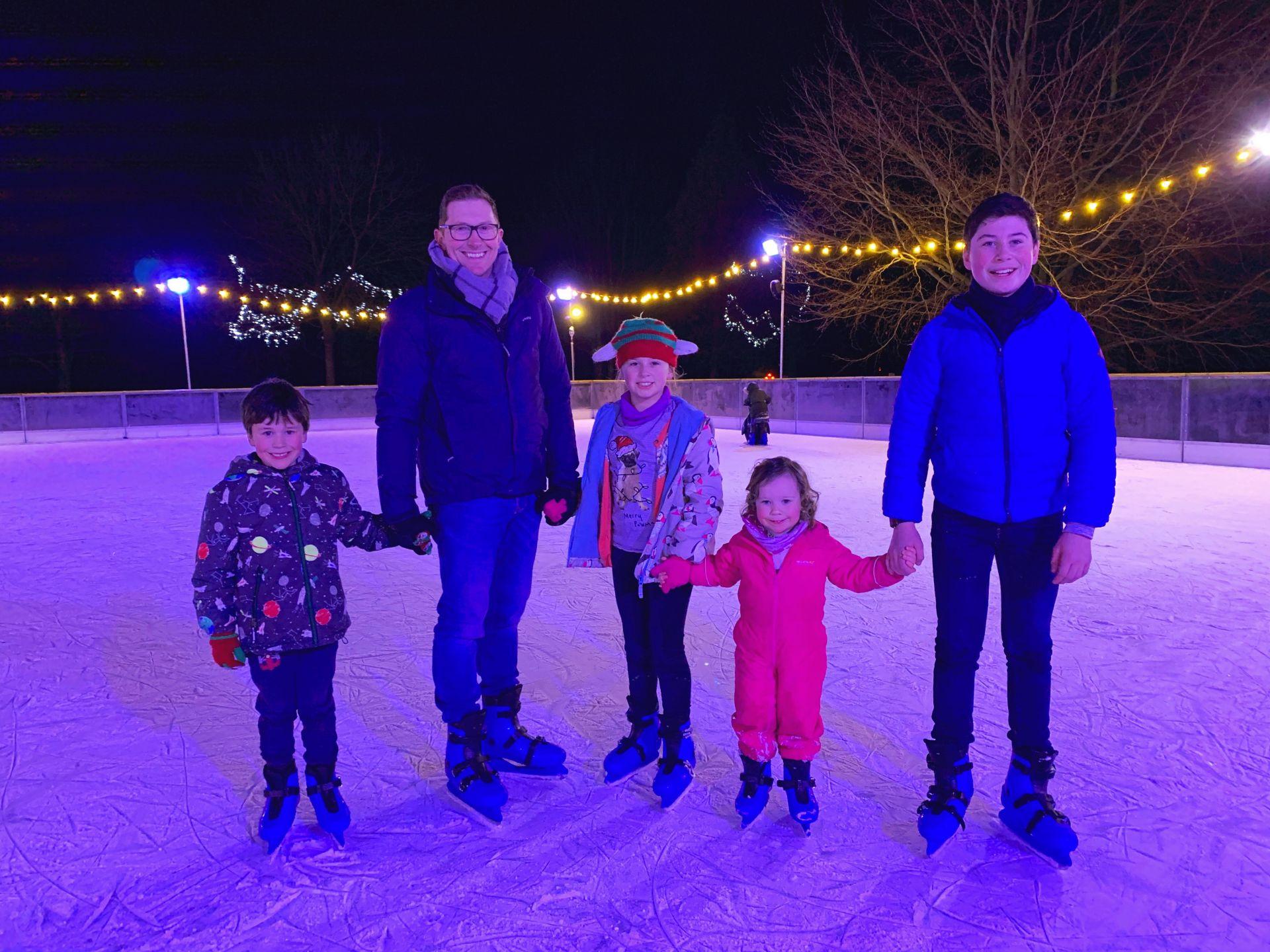 children ice skating
