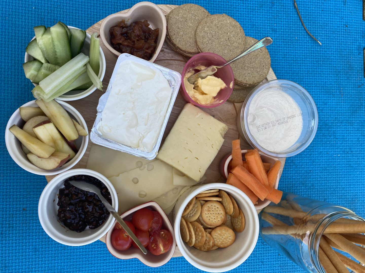 Easy kids lunches for summer with this cheese board
