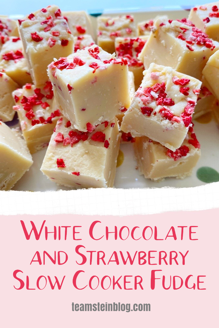 Slow cooker  fudge recipe of white chocolate and strawberries