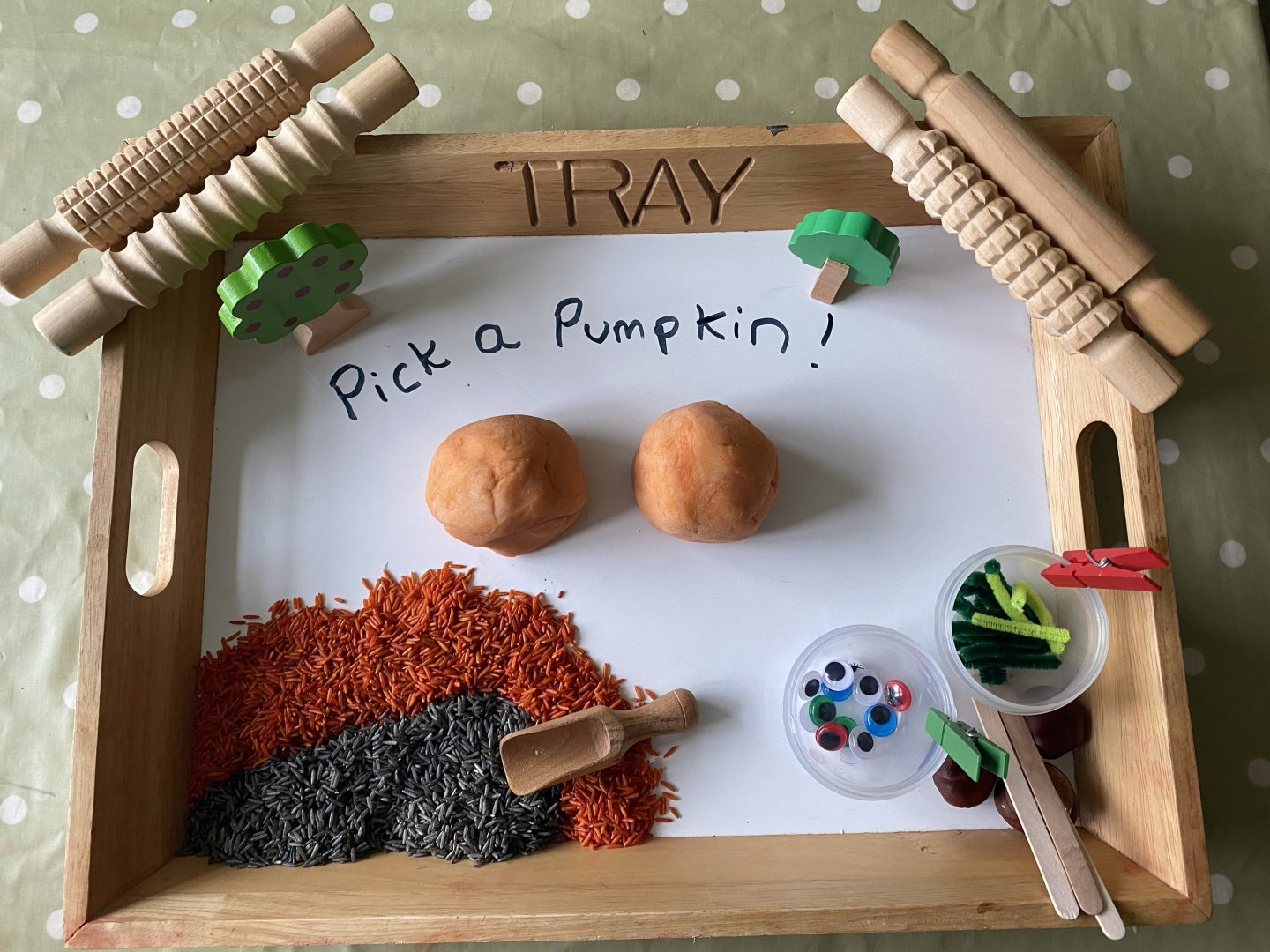 Homemade Playdough Halloween recipes with pumpkin Playdough